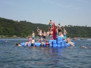 Понтонные острова и платформы для купания